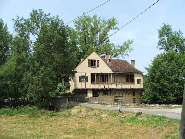 MOULIN DE LA FONT - Gourdon - Rumah liburan