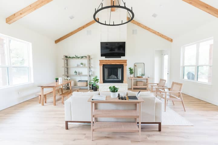 Glen Rose Modern Farmhouse |  20 acres