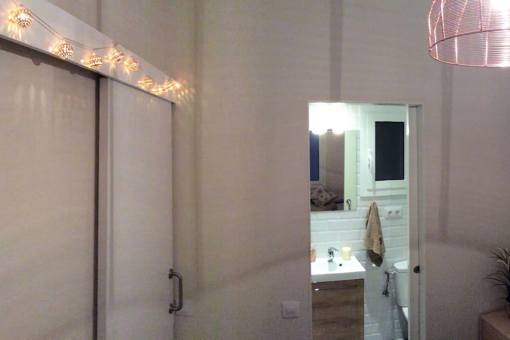 Habitacion ba o privado en el born flats for rent in barcelona catalu a spain - Amenities en el bano ...