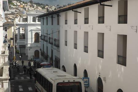 BIG MUM HOMESTAY - Quito