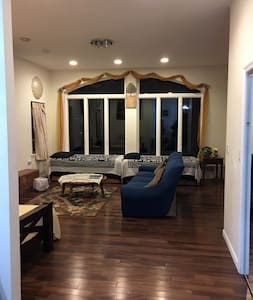 Skiing,Lake,Jacuzzi, Gated, Pool, Games,Sleeps 24, - Bushkill