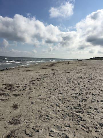 Borrby strand, 4 km från huset