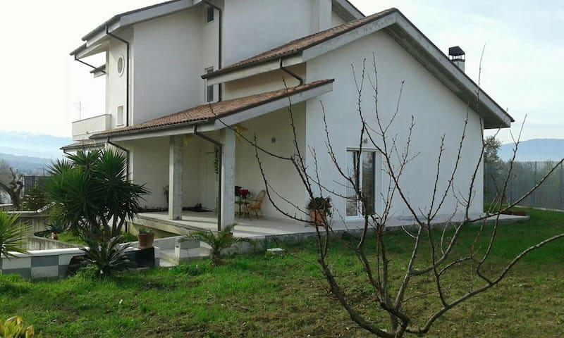 Camera singola casa  Chieti scalo - Chieti - Hus