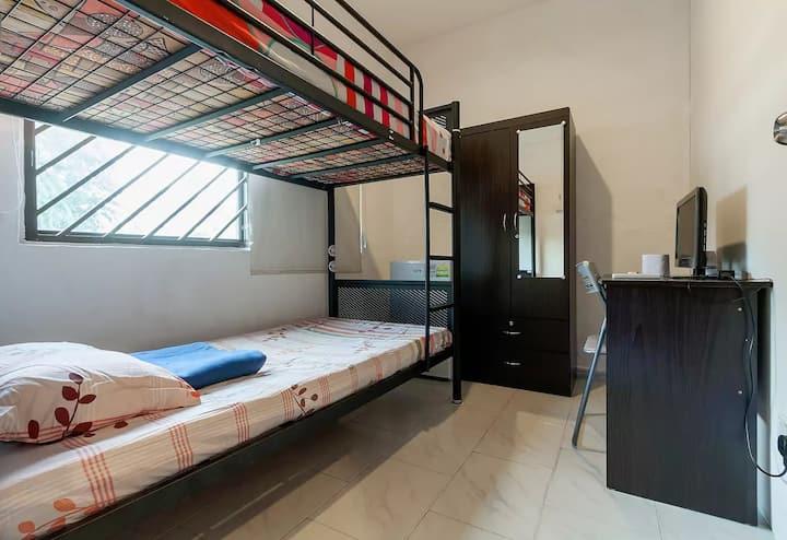postwar window bunkbed room, just-U & no-sharing