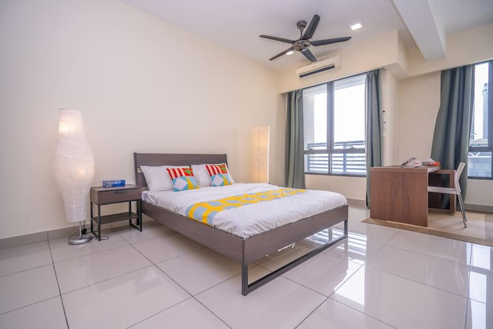 Lightening Deal! Deluxe Studio Home in Selangor