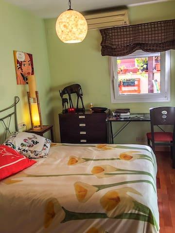 Habitacion cama doble en Quintiliano, Av America.