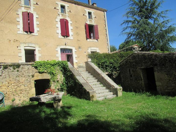 Aux portes du Périgord, maison individuelle.