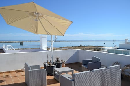 appartement bord de mer , terrasse 100m2, piscine - Fuseta - Appartement