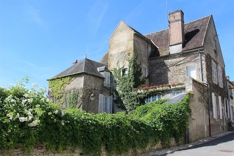 ChâteauLandon sur les remparts vue exceptionnelle