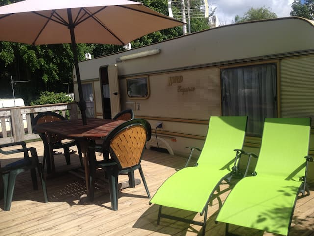 Large caravan with patio next to Boulogne/mer