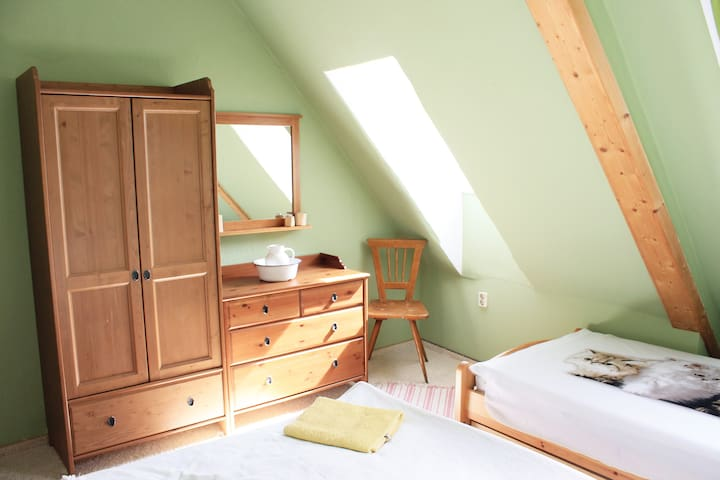 ferienwohnung f r 3 p nahe oberwiesenthal flats for rent in schlettau sachsen germany. Black Bedroom Furniture Sets. Home Design Ideas