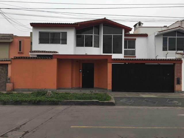 Andean mini apartement- San Borja