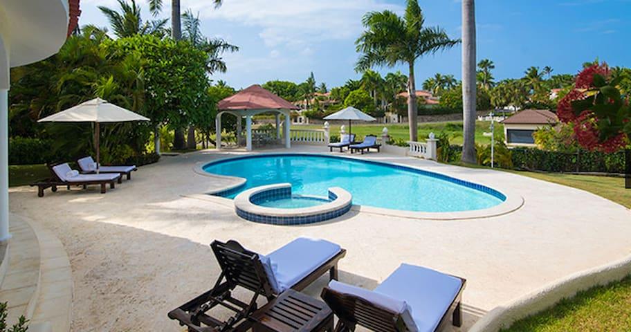 $100/night for a Villa plus all-inclusive