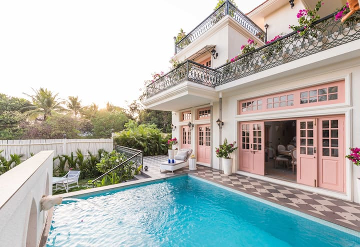 4 bed Powder pink mansion with a private pool