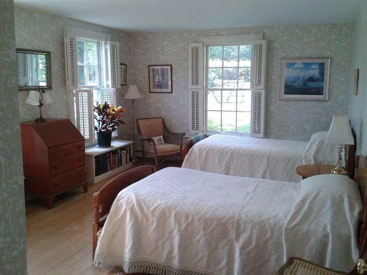 Garden Room - Hickory Hill