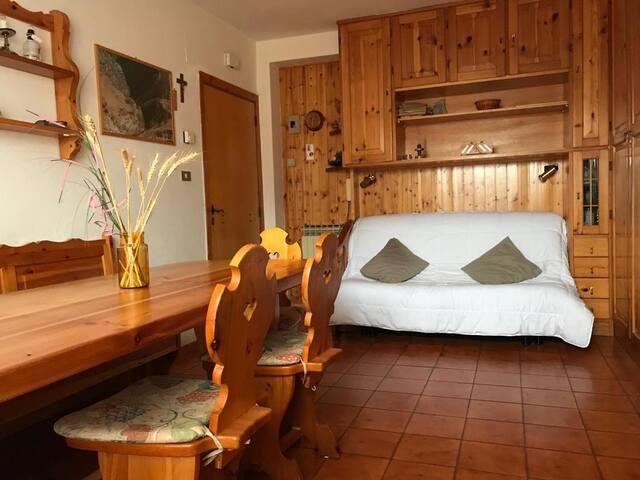 Appartamento in stile baita con camino