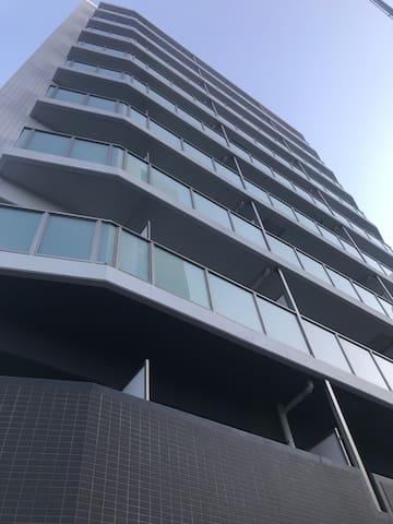 湘南の中心地「藤沢駅」徒歩5分。鎌倉・江ノ島観光の拠点に便利なアパートメントホテル【1ROOM-2】