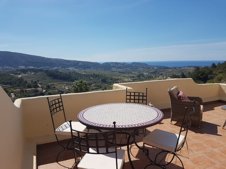 Ocean view appartment with pool in Teulada