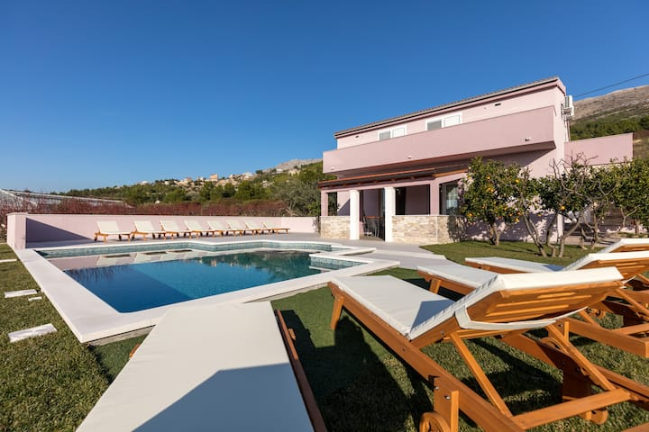 NEW! Seaview Villa near Split w/Private Pool