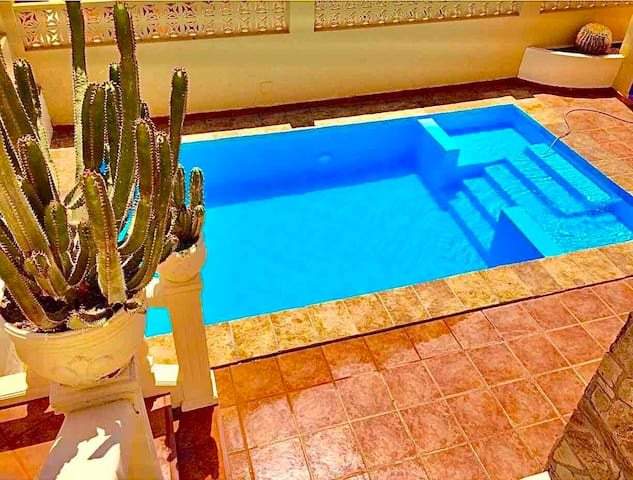 2 Bed Swimming pool