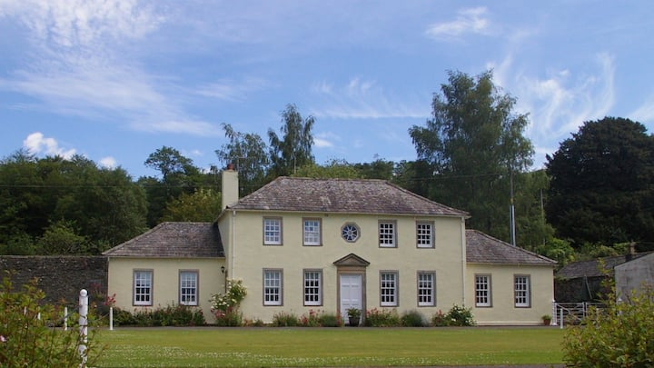 Coach House with breathtaking Lakeland views