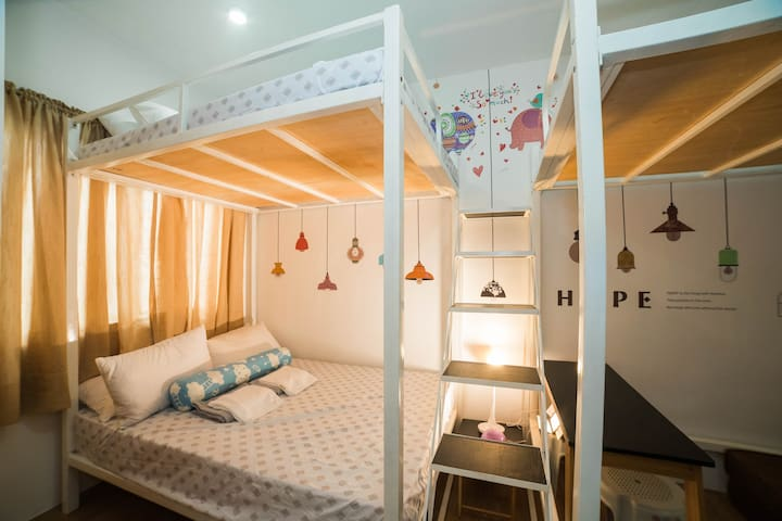 Couple & Family Room - Mactan (Free Movies | WIFI)