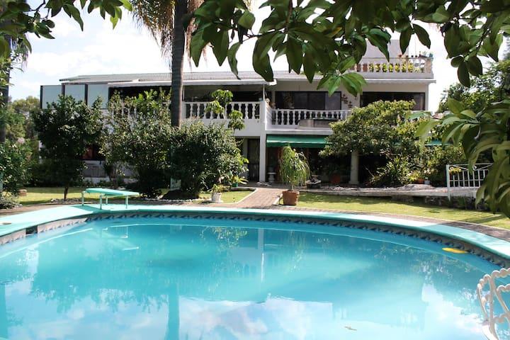 Linda casa amplia en Cuernavaca para descansar.