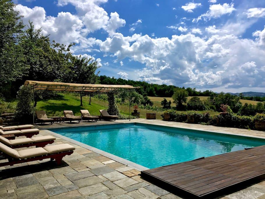 The swimming pool – La piscina