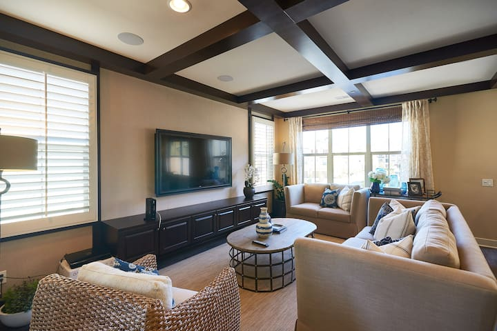 Luxury 4Bd Home, Irvine 最佳社區高級舒適四房