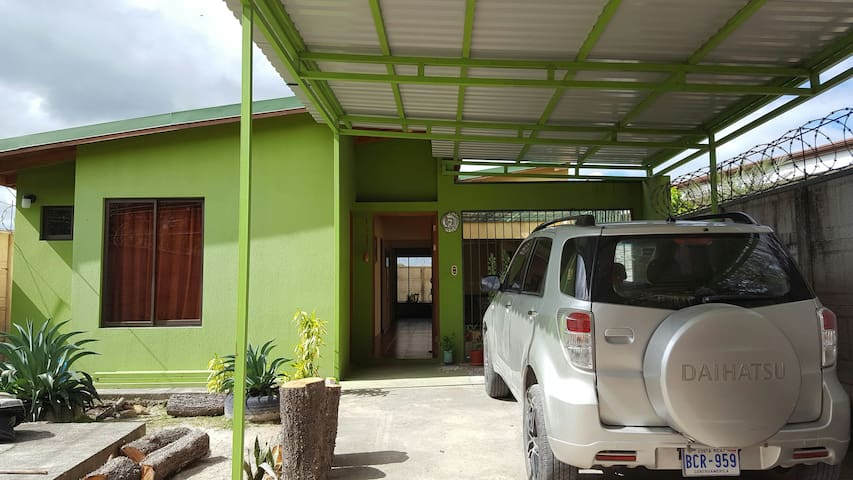 Habitacion dentro de casa - Liberia - Dům