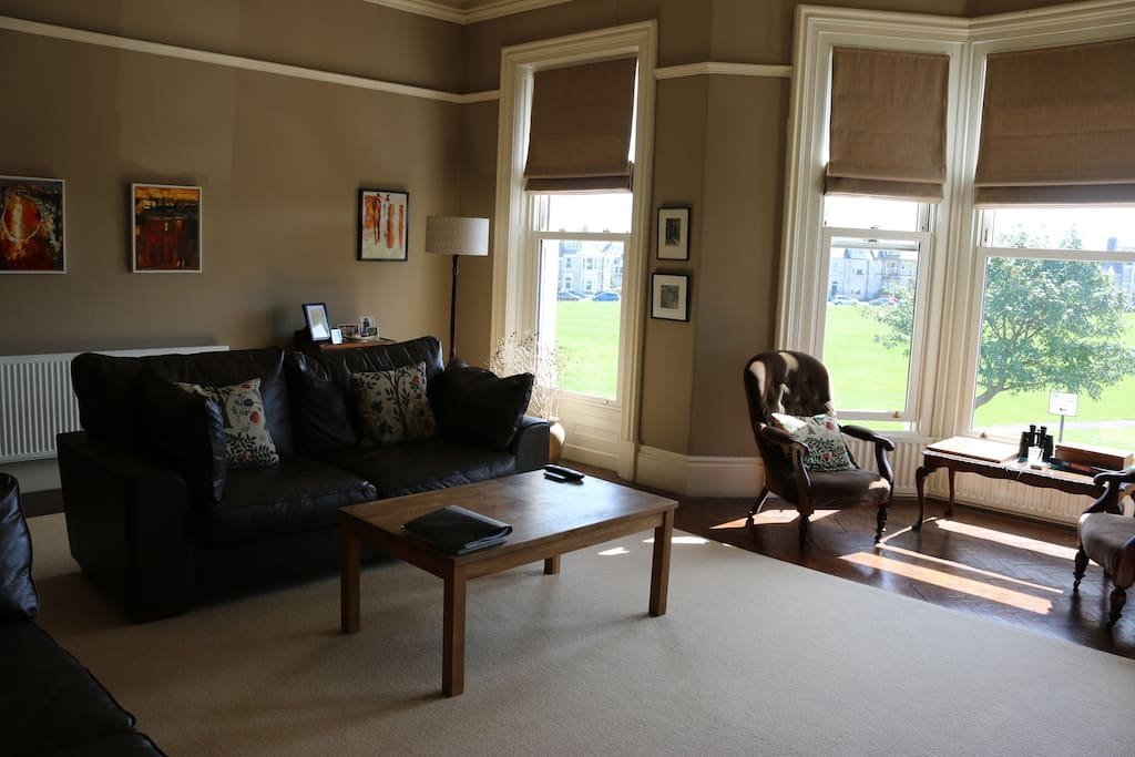 South facing sitting room exclusively reserved for guests