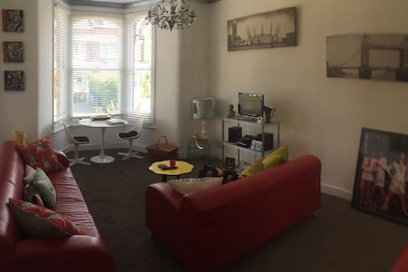 Contemporary one bedroom apartment - Broadstairs