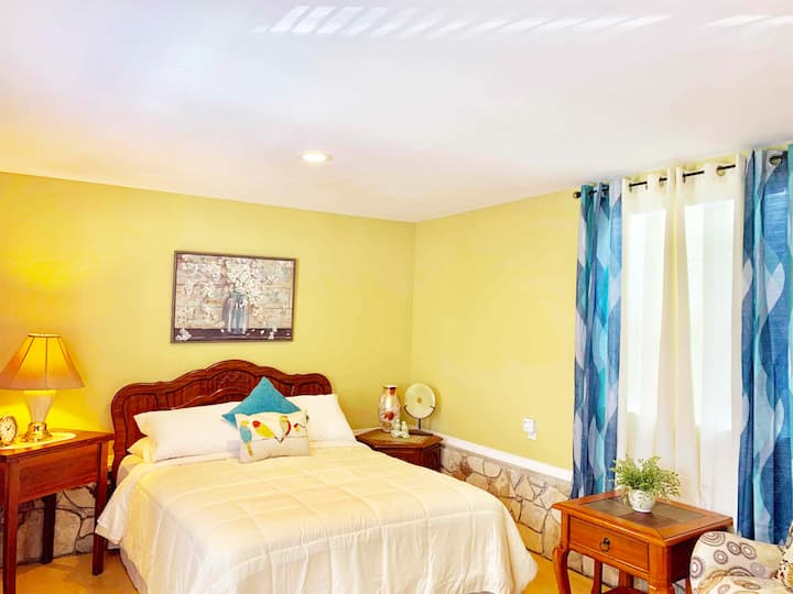 Guesthouse near LAX & Long Beach Airports