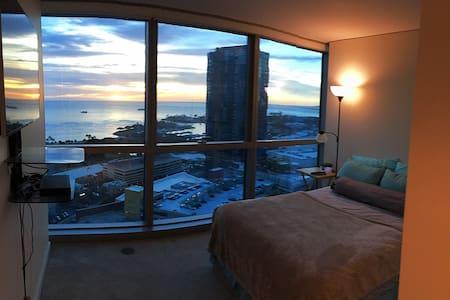 Ocean view luxury condo - Honolulu