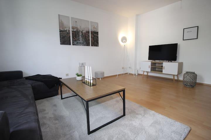 *City 2 Zimmer-Apartment Möbliert inkl. W-Lan & TV