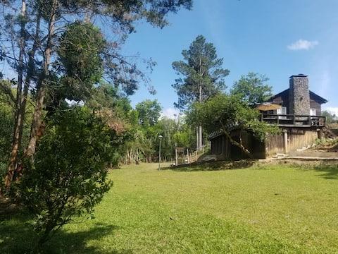 Villa con Rio en Arroyo Frio