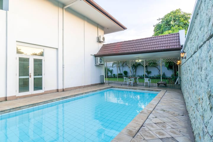 Spacious Villa w/ Pool Perfect for Events/Shooting