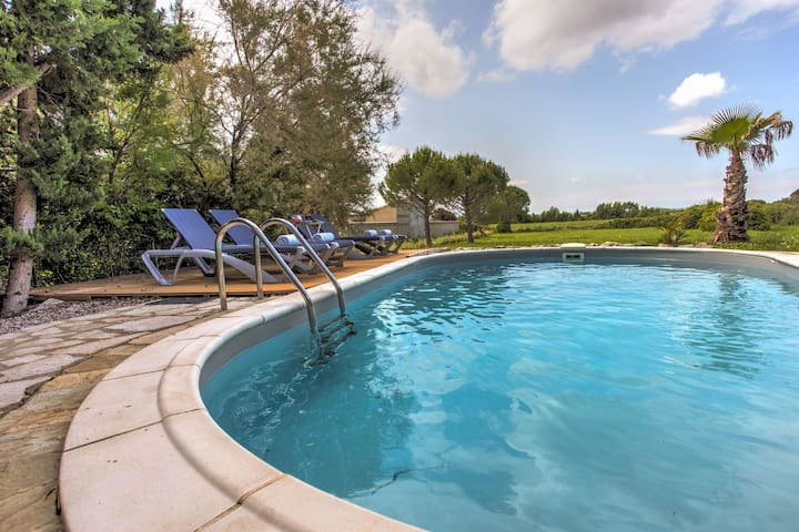 Charming Villa in Siran with Pool