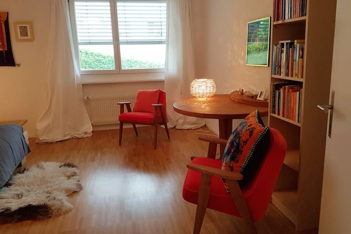 Spacious room - quiet, comfortable and safe
