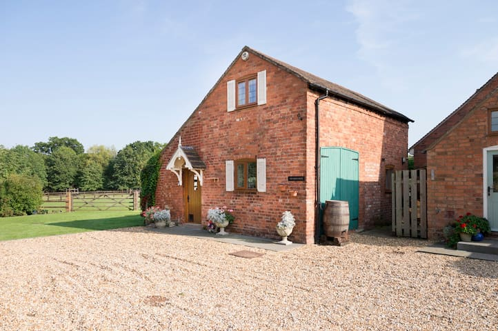 Berry Lodge Farm- the coach house - Welland - Guesthouse