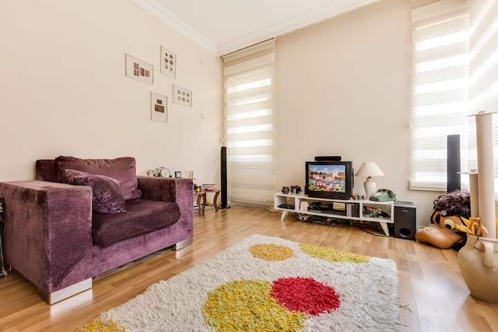 Central, Entertained, Sweet Flat - Çankaya - Apartamento