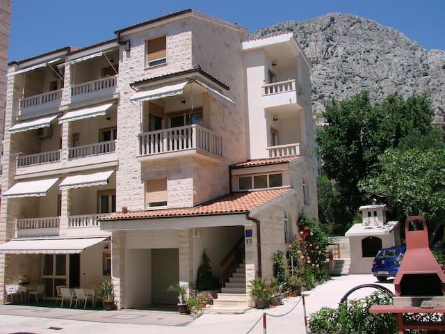 Apartments Villa Sladojević / One bedroom A5 - Duce - Daire