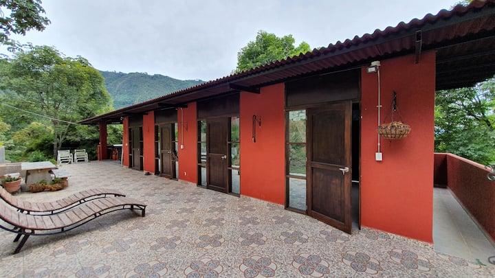 "La Cumbamba - the ""Gulungos"" budget room"