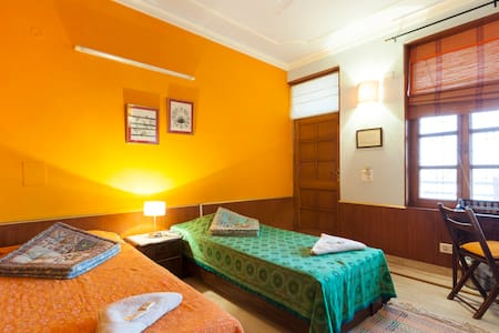 GANGA VATIKA BOUTIQUE HOTEL DX ROOM - Rishikesh