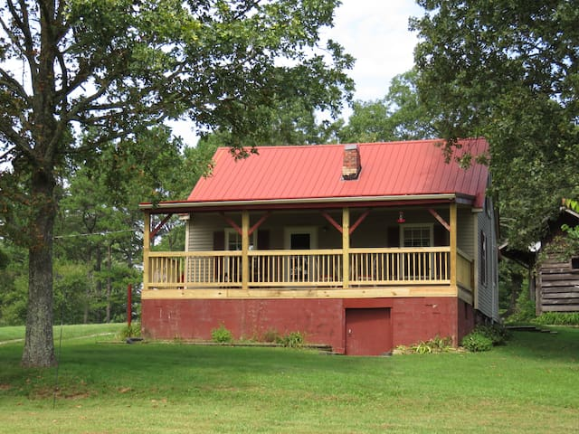 2 BR Cabin:Stocked Pond- 5 Min. To Wildcat Adv. PK