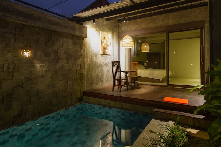 Villa with Stylish Interior and Private Pool