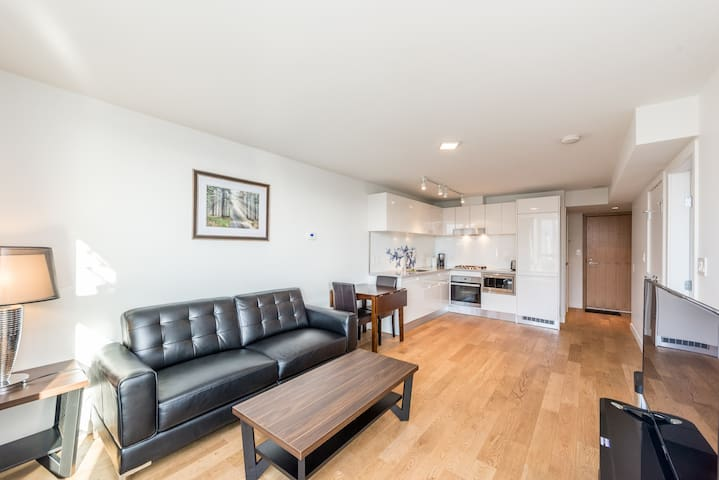 Super great downtown view condo