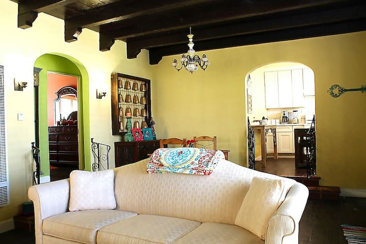 Centrally Located  Spanish Home - Long Beach - House