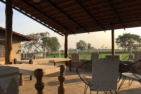 Utopia Farm Stay Room 9 - Close to Sula Vineyards