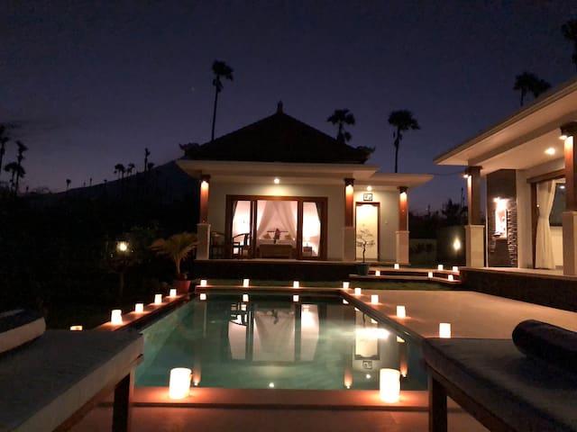 Anyar beach villa